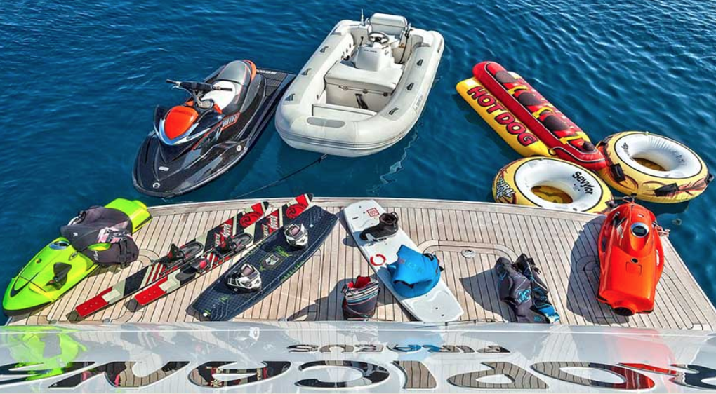 Boat Accessories for the Holidays