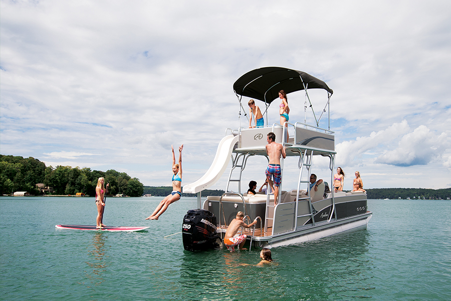 Pontoon Boats offer Barrels of Fun on the Water  | Blog | Nautical