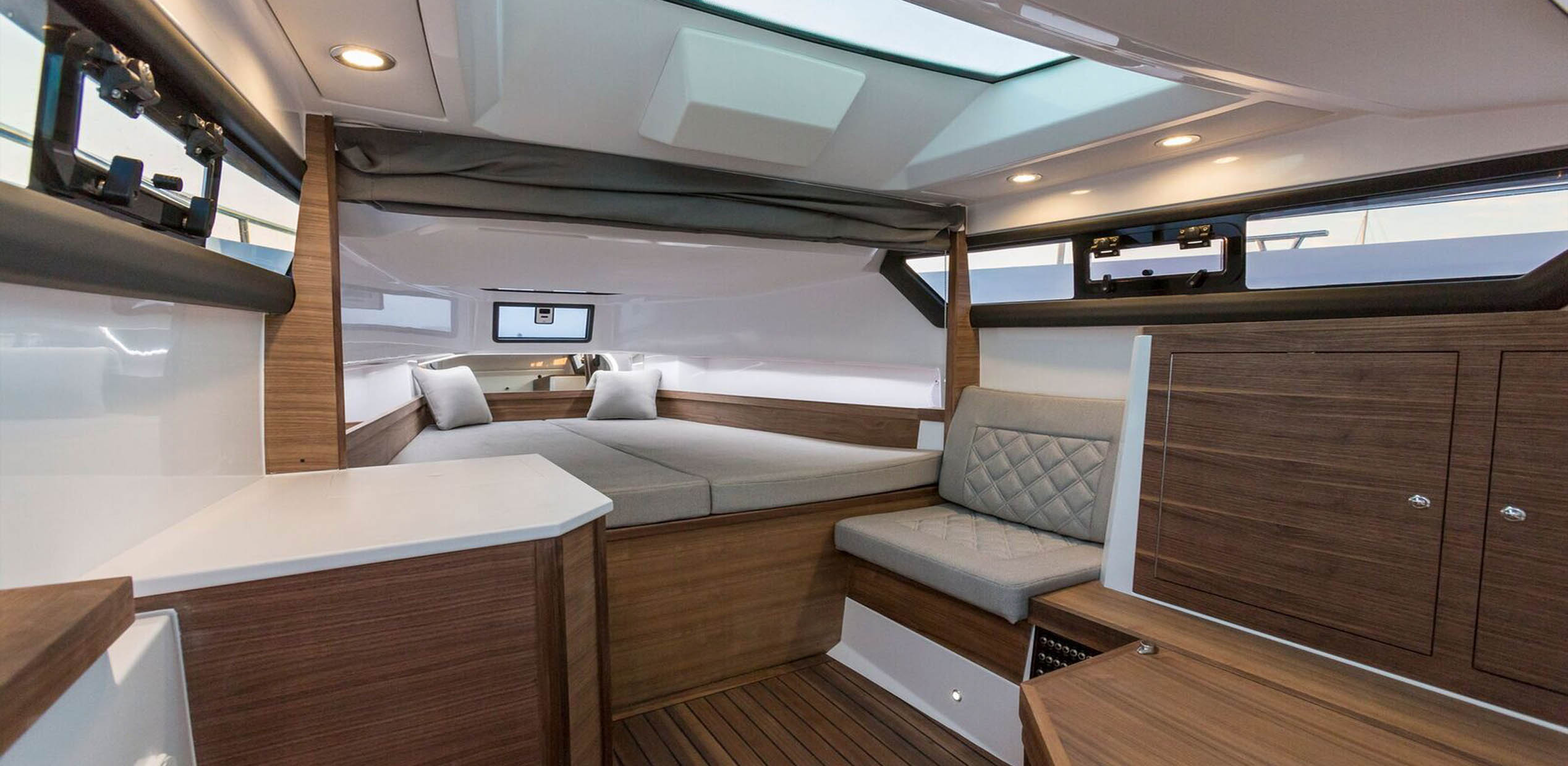 Axopar-boats-interior